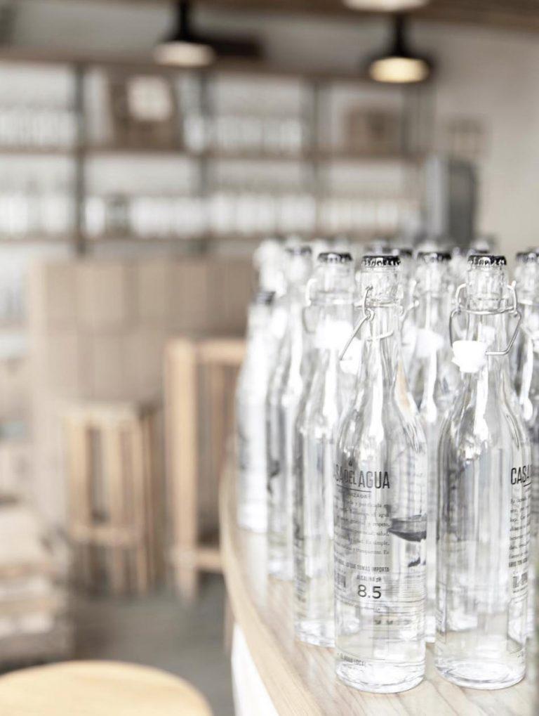 botella casa del agua